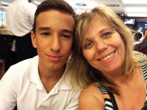 Aqui, com o filho Gustavo, de 13 anos