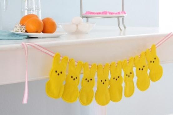 Gosta de artesanato? Esse varal de coelhos feitos com feltro é uma ótima opção. Foto: Pinterest