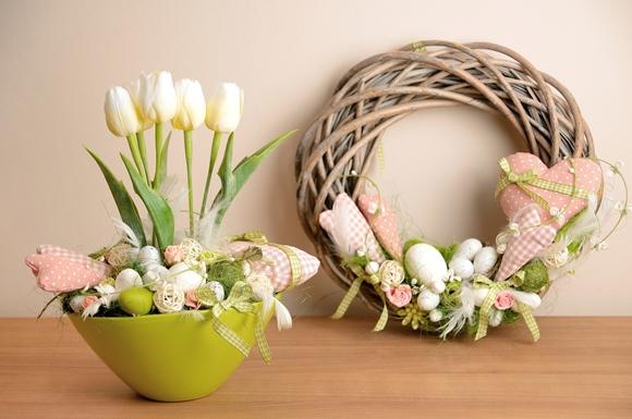 Guirlandas e vasos dão um toque sutil de Páscoa no ambiente. Além de ser uma linda forma de receber os convidados. Foto: Pinterest