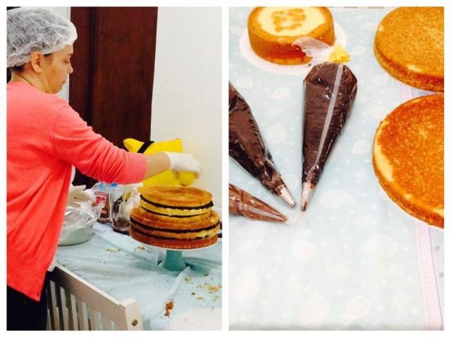 Tia Sueli fazendo a montagem do Naked Cake