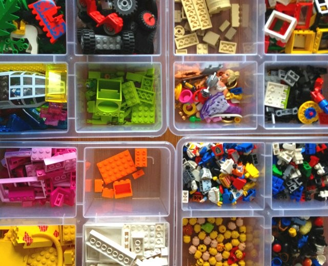 caia-organizadora-brinquedos